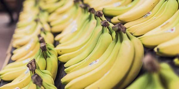 бананы-в-магазине